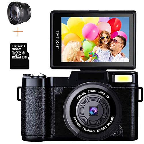 Macchina Fotografica 24MP Digitale Videocamera Full HD 1080P 2.7K 3.0 Pollici Flip Screen 4X Zoom con Torcia a Retrattile Regalo (32G Carta e 52mm Obiettivo Grandangolare)