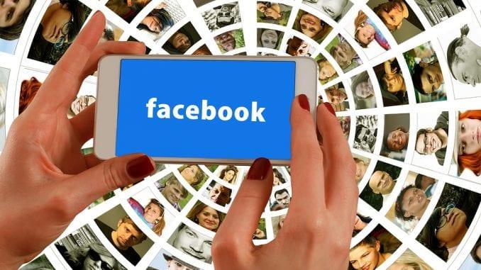 Come bloccare una persona su Facebook.